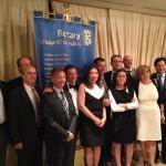 I presidenti degli 8 club Rotary del Gruppo Ghirlandina, l'Assistente del Governatore Clemente Ingenito e la direttrice del Festival Filosofia, Michelina Borsari